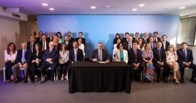 Fernández presentó a su Gabinete: «Los convoqué para la epopeya de hacer otro país»
